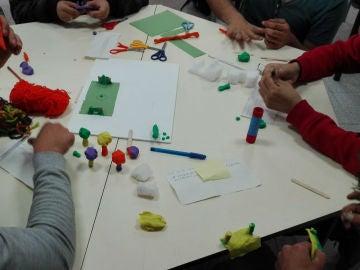 A lo largo de cinco meses, entre febrero y junio de este año,  los alumnos del Master de Psicopedagogía de la Universidad Jaume I de Castellón, han elaborado un proyecto que tenía como objetivo, dinamizar el barrio de San Lorenzo.