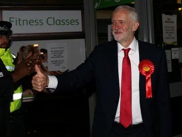 Jeremy Corbyn celebra el aumento de escaños