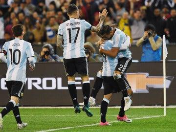 Mercado celebra su gol ante Brasil
