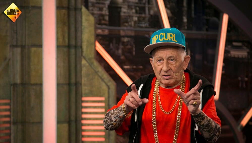 """El abuelo Melquiades reta a Daddy Yankee en su próxima visita: """" A ver quién baila mejor reggaeton"""""""