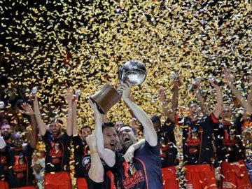 El Valencia levanta la Liga ACB