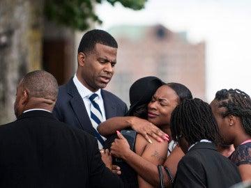 Familiares de Philando Castile en su funeral
