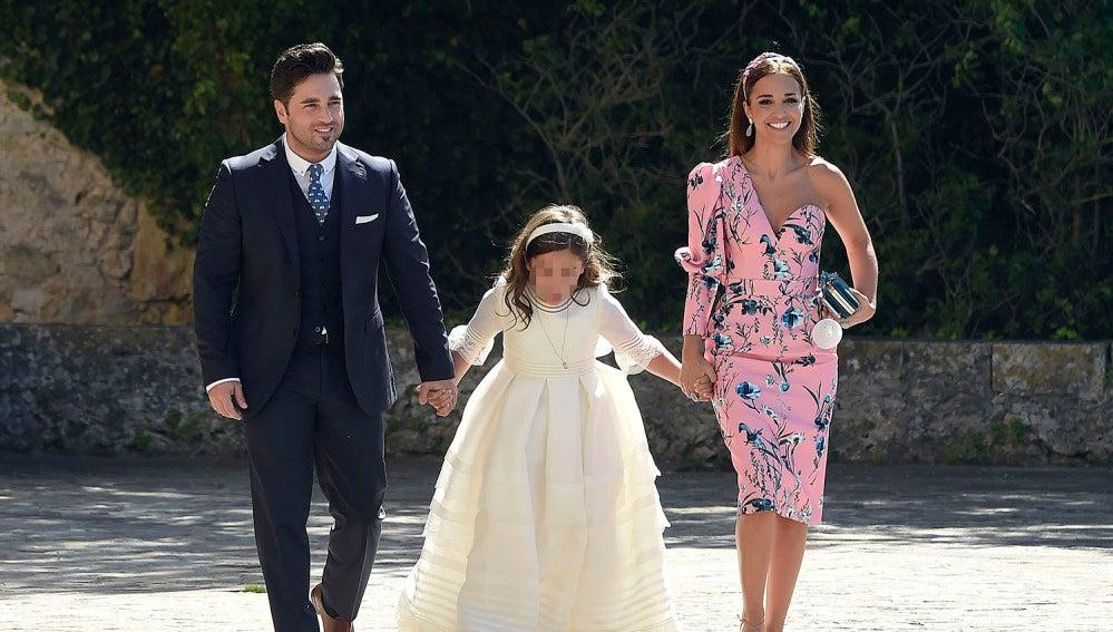 Paula Echevarría y David Bustamante llegando a la comunión de su hija