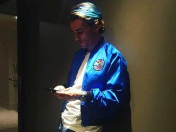 Antoine Griezmann, con el pelo azul