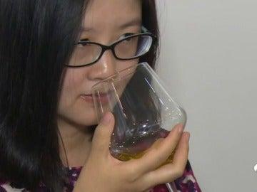 China se rinde ante el aceite de oliva español en las catas que dan a conocer el producto en el país