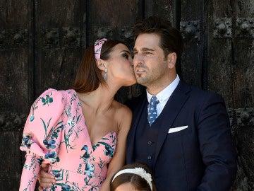 Paula Echevarría besa a David Bustamante