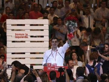 Pedro Sánchez, nuevo secretario general del PSOE, durante el acto de clausura del Congreso Federal del partido, celebrado en Madrid
