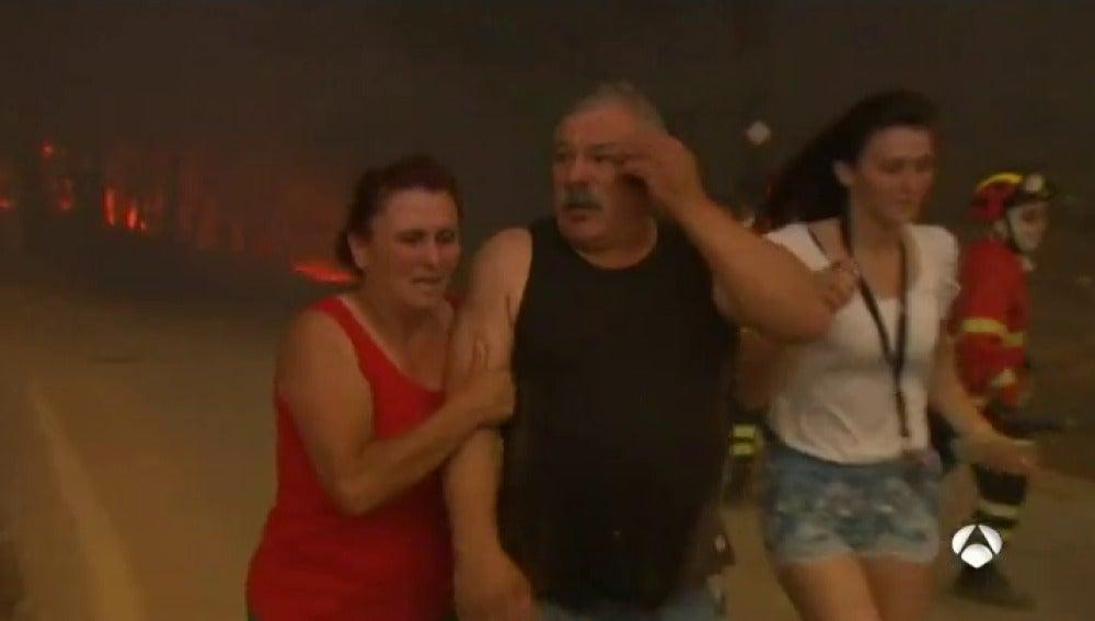 """La desesperación de los vecinos que se pudieron salvar del incendio de Portugal: """"Algunos intentaron huir por otras carreteras, pero no pudieron"""""""