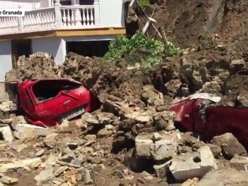 Se derrumba un muro en Monachil, Granada