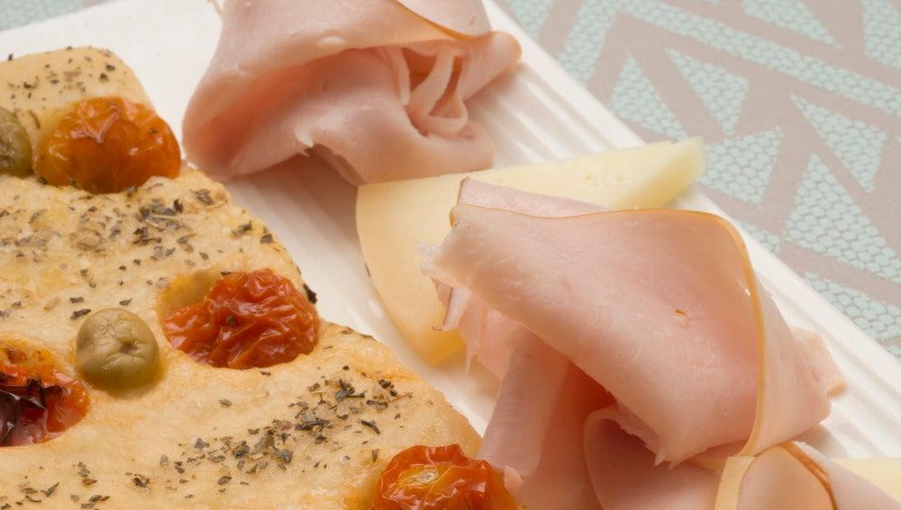 Pan con pavo y queso
