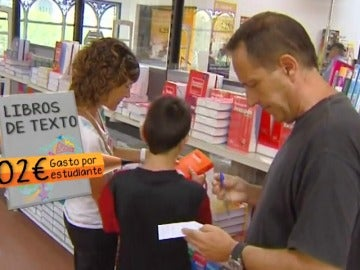 Comprar los libros entre junio y julio puede suponer hasta un 12% de ahorro