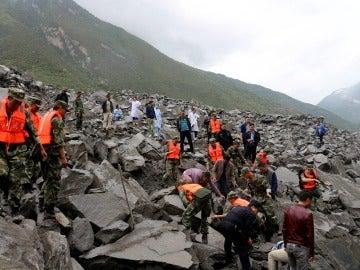 Se complican las labores de rescate de los desaparecidos por un desprendimiento en China