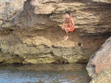 Mario Casas se tira en bomba al agua