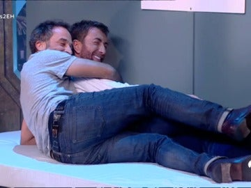 La cucharita más sexy de Pablo Motos y Daniel Guzmán en 'El Hormiguero 3.0'