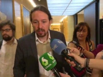Iglesias llega a su reunión con Sánchez