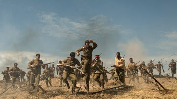 Andrés salta por las trincheras de la batalla