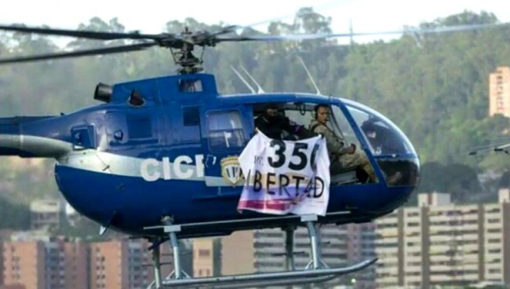 Varios policías venezolanos roban un helicóptero y disparan contra el Tribunal Supremo