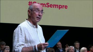 "Sobre Lluis Llach: ""De cantante amenazado a diputado amenazante"""