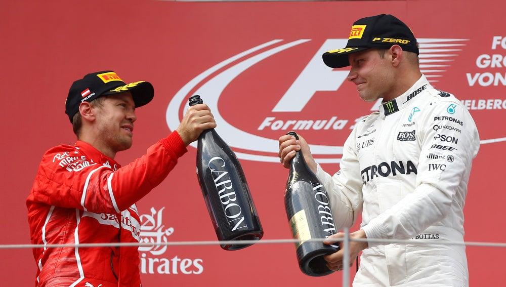 Vettel y Bottas, en el podio de Spielberg