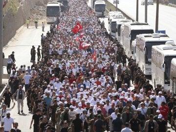 Simpatizantes del partido turco opositor participan en la 'Marcha de la Justicia'