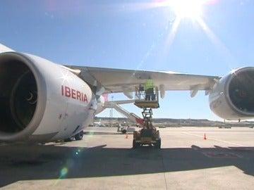 Multan a Iberia con 25.000 euros por exigir un test de embarazo a sus azafatas