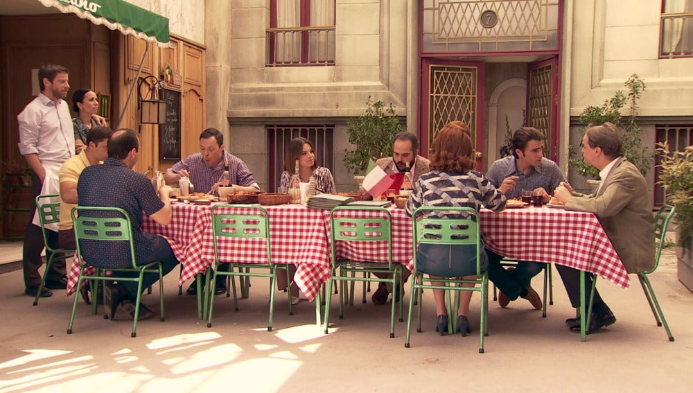 La peculiar 'mesa italiana' orquestada por Marcelino
