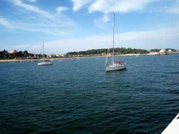 Un centenar de afortunados realizan una preciosa travesía en barco por la Bahía