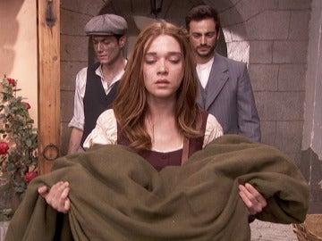 Julieta rota con Ana muerta entre sus brazos