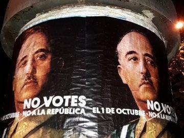 Carteles en contra de la votación del 1 de octubre en Barcelona