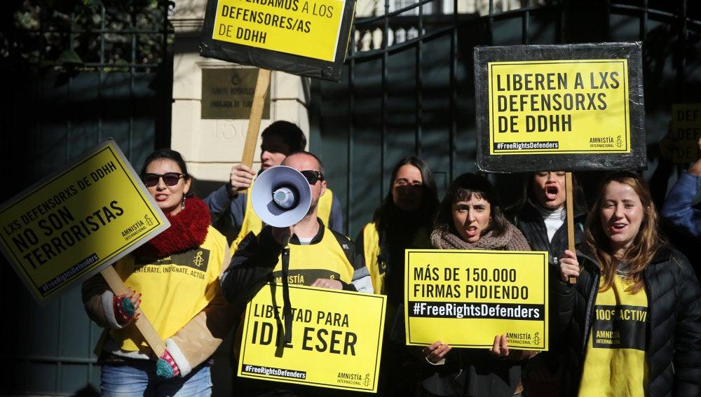 Activistas de Amnistía Internacional