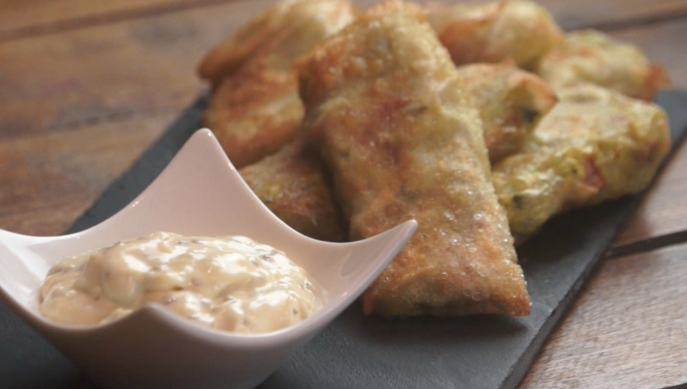 Aguacate egg rolls