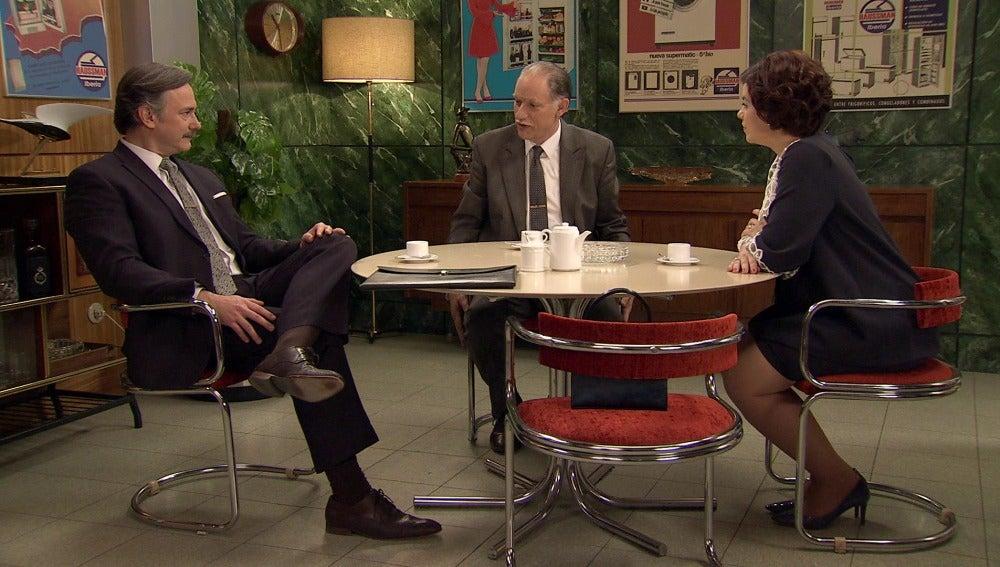 Barrantes advierte a Félix y Marta de las malas intenciones de Rovira