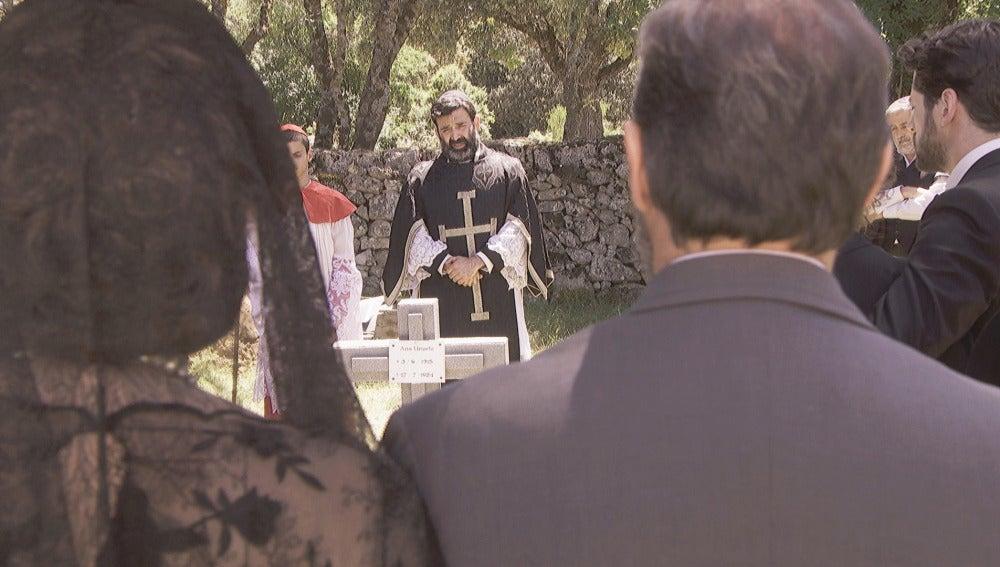 Julieta, ausente en el entierro de su hija