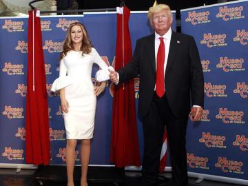 Melania Trump y Donald Trump en el Museo de Cera