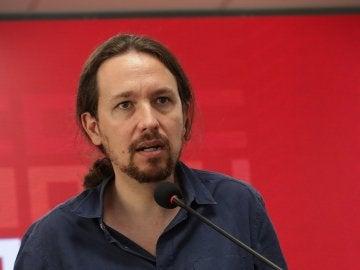 El secretario general de Podemos, Pablo Iglesias, durante la rueda de prensa ofrecida en la sede de CCOO