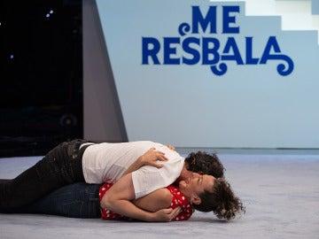 Fele Martínez y Mariola Fuentes se atreven con una ouija en 'Me Resbala'