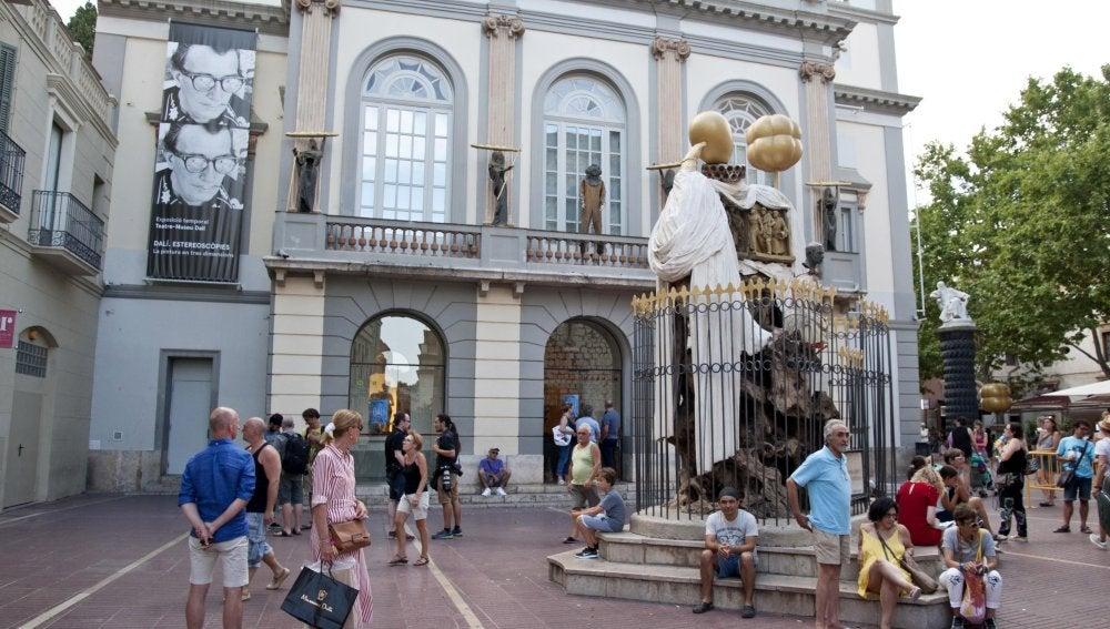 Teatro-Museo Dalí donde una comitiva judicial entró para exhumar los restos de Dalí