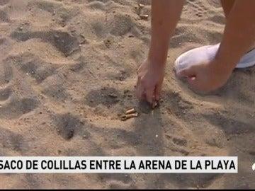 Casi medio centenar de voluntarios recogen 80.000 colillas en las calles Barcelona para denunciar suciedad