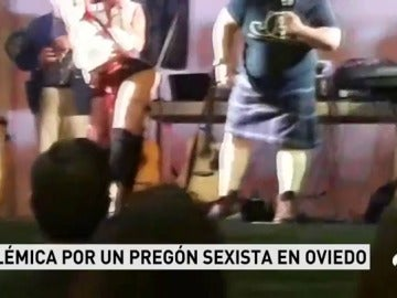 Polémica en Oviedo por el pregón de unas fiestas con mujeres disfrazadas de colegialas realizando sensuales coreografías