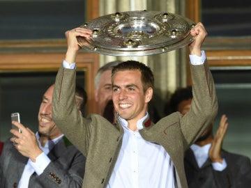 Lahm levanta la Bundesliga