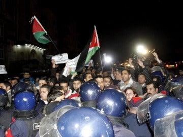 Muere un jordano tras un tiroteo en la embajada israelí de Jordania