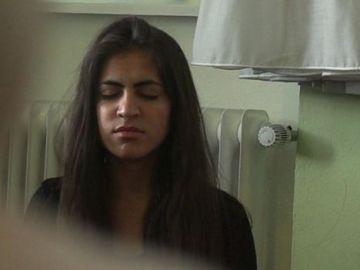 Ekhlas en una de las terapias que recibe en el centro