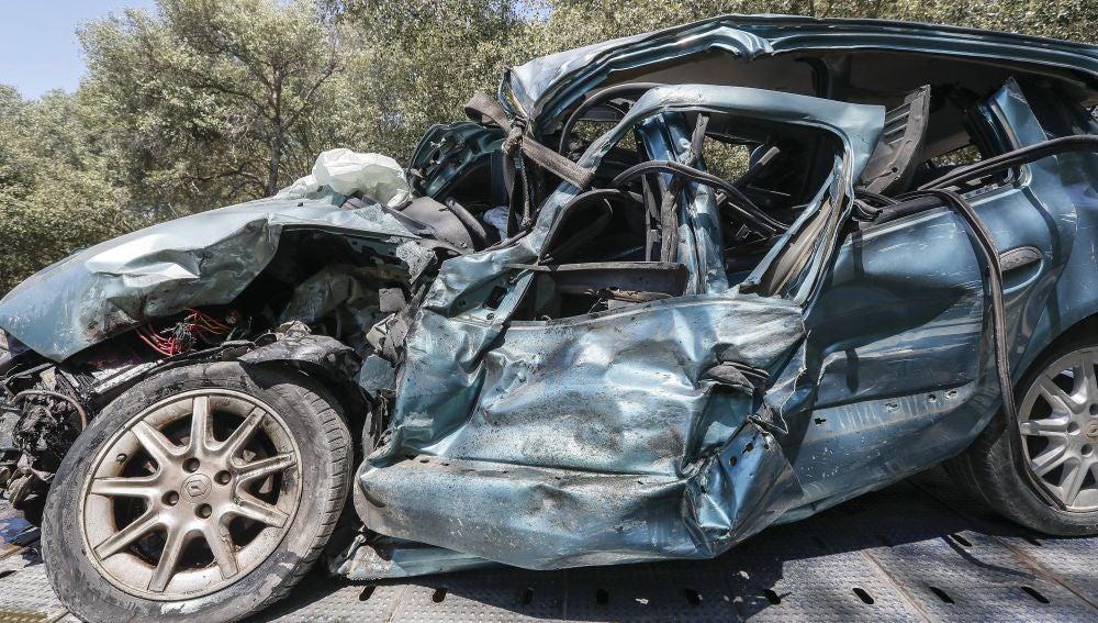 Muere una persona en una colisión frontal en Hinojos