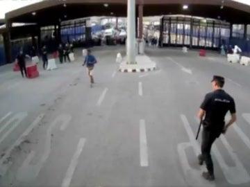 Momento de la detención en Melilla