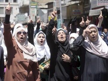 Protestas a las puertas del Parlamento de Jordania