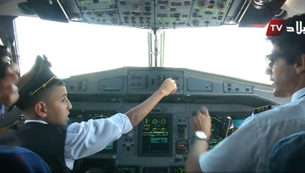 Menor pilotando