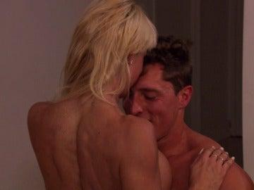 La pasión se desata sin control entre Raúl y Silvia