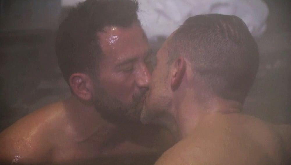 """Luis y Rafa disfrutan de """"un momento muy caliente"""""""