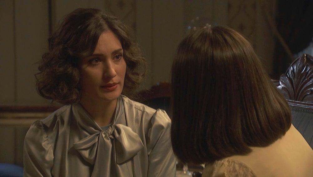 Camila habla con Beatriz