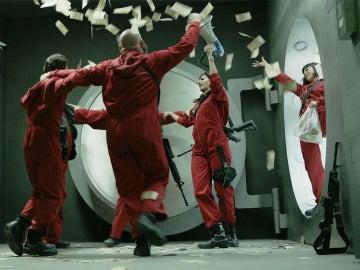 Los protagonistas de 'La casa de papel' viven sus últimas horas de rodaje dentro de la FNMT